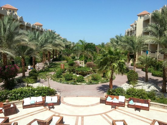 Amwaj Blue Beach Resort & Spa: from main restaurant