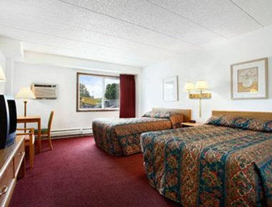 Super 8 Brooklyn Center/Mpls: Standard Two Double Bed Room