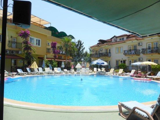 Metin Hotel : pool