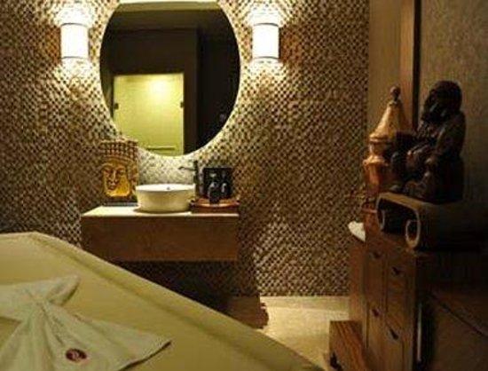 Ramada Plaza Antalya: Massage Room