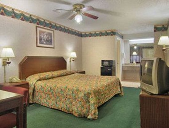SUPER 8 MOTEL - HOUSTON/WEST/KATY