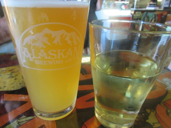 Vine Cinema and Ale House : Nice Beer and Wine List, The Vine Movie Theater, Livermore, CA