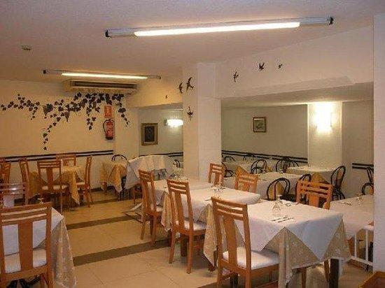 Hotel Mayna: Restaurant