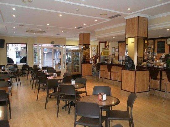 Hotel Mayna: Bar/Lounge