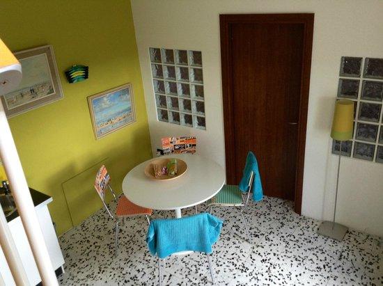 Bellaugello: Giardino dining table 50s style!