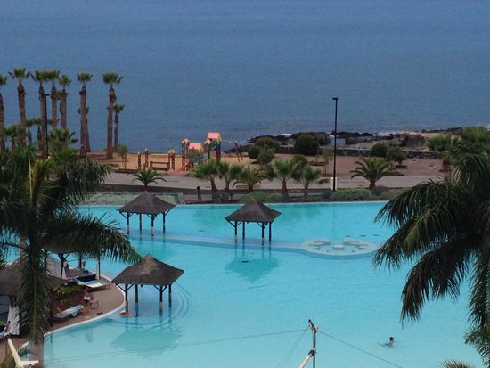 Gran Melia Palacio de Isora Resort & Spa: kids playground right next to hotel