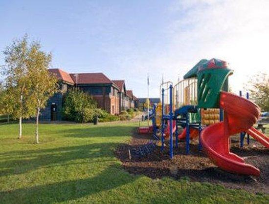 Days Inn Stevenage North: Playground