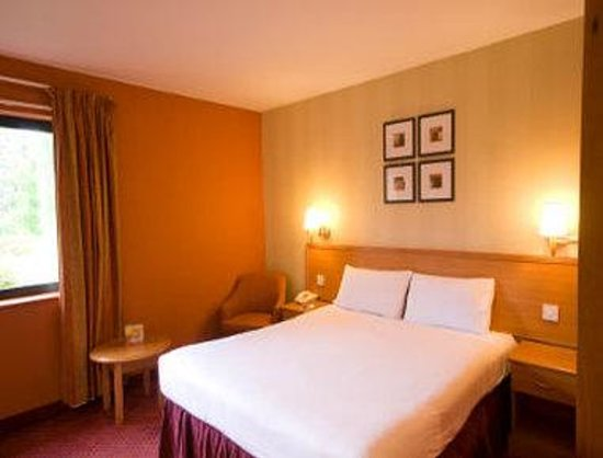 Days Inn Stevenage North: One Double Bed Room