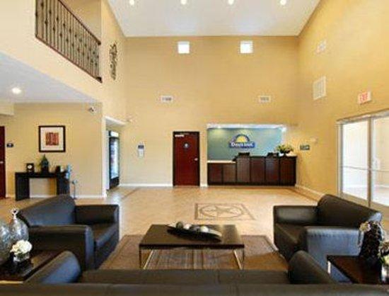 Days Inn Rockdale Texas: Lobby