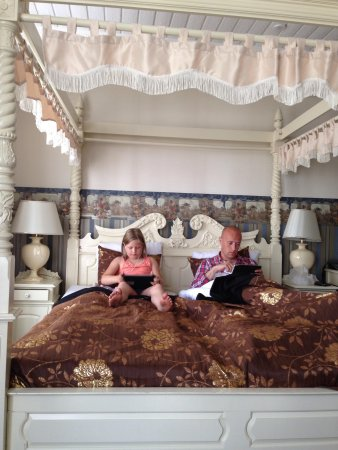 Milling Hotel Saxildhus, Kolding: Smuk seng på værelse 228