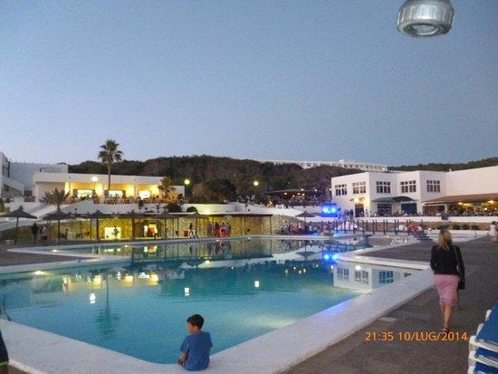 Insotel Club Maryland: ristorante bar e piscina