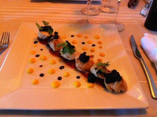 Auberge Goxoki : St Jacques et mousseline de carottes