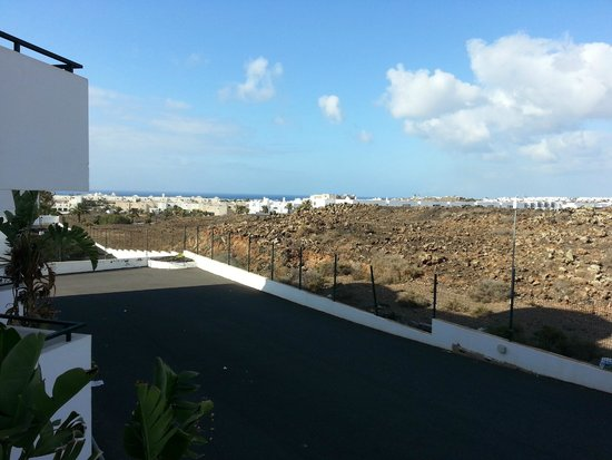 Aparthotel Lanzarote Paradise: No noisy neighbours, and you can see the sea!