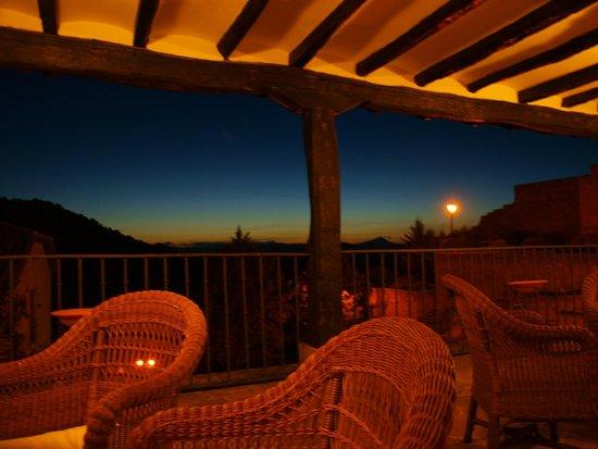 Parador de Sos del Rey Catolico: En la terraza al atardecer