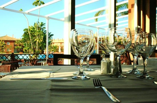 ILUNION Tartessus Sancti Petri Hotels: Detalle Mesa