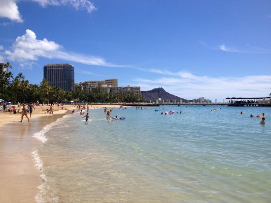 Hilton Hawaiian Village Waikiki Beach Resort: beautiful beach on the resort
