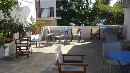 Pension Kir Sotos: Upper terrace
