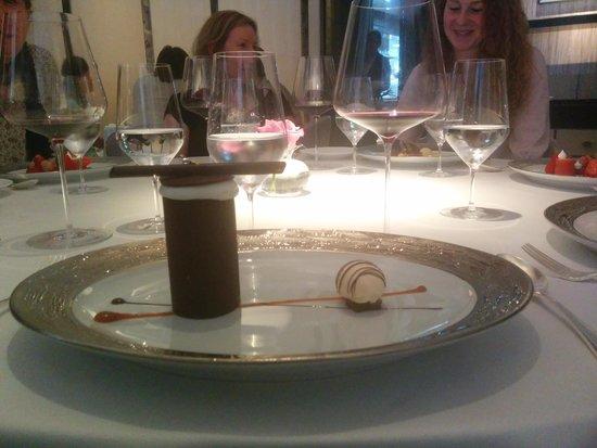 Restaurant Gordon Ramsay: specially made gluten free dessert !