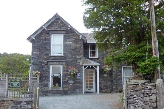 Street view of Oaklands Guesthouse