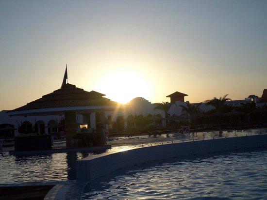 Fantazia Resort: visuale piscina