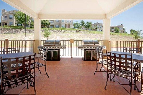 Candlewood Suites San Antonio N - Stone Oak Area: Guest Patio