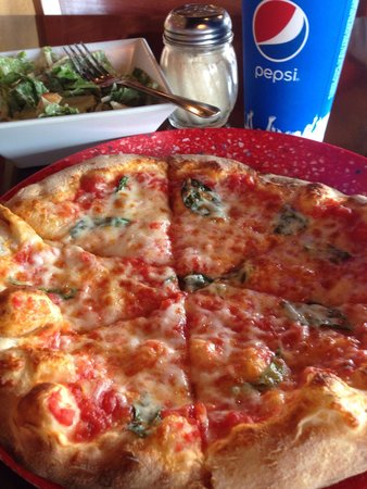 Pi Pizza: Pizza margherita & caesar salad with a pepsi.. Lunch=yum!