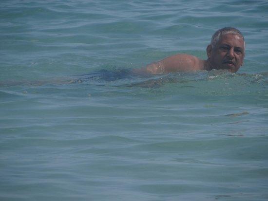 Club Med La Pointe aux Canonniers : Enjoying a refreshing swim at La Pointe beach