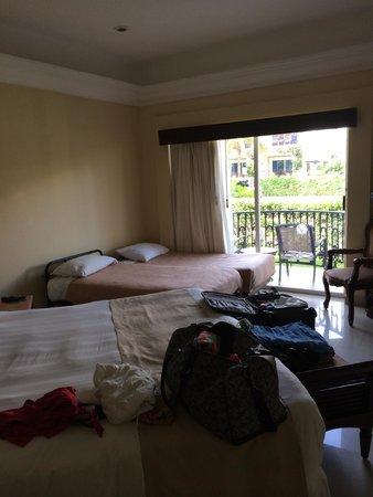 Gran Porto Resort: Room with cots