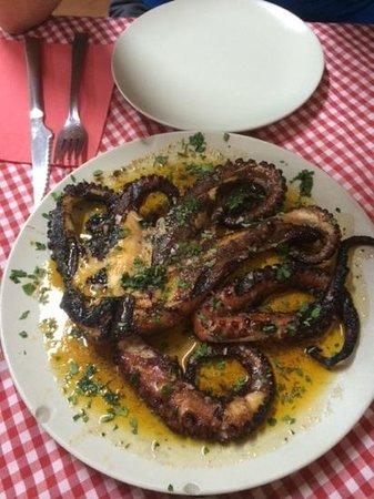 Asador Iñaki: Grilled octopus (pulpo)