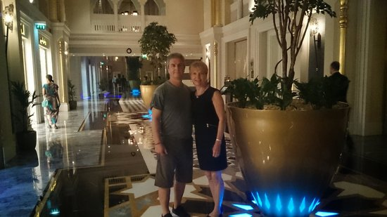 Jumeirah Zabeel Saray: in the lobby