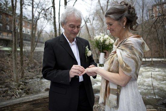 Moulin Wakefield Mill Hotel & Spa : Mariage intime après 25 ans de vie commune