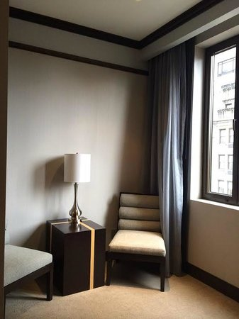The Pearl Hotel: room 2013