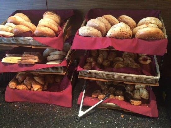 The Pearl Hotel: Breakfast
