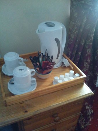 Waterloo Lodge: bedroom's tea kit
