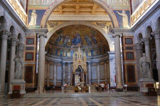 Abbazia di San Paolo Fuori Le Mura : Inside