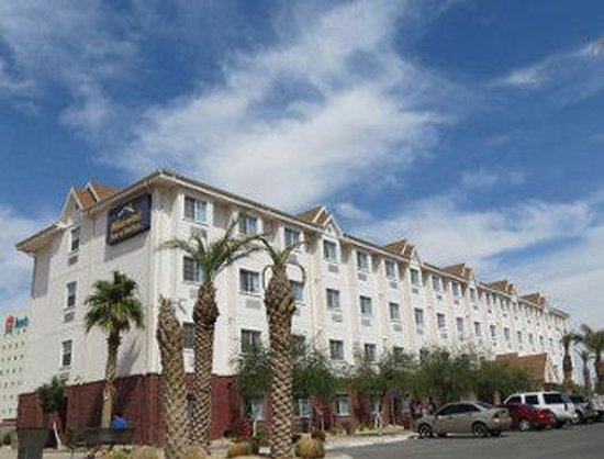 Microtel Inn & Suites by Wyndham Ciudad Juarez/US Consulate: Welcome to the Microtel Inn And Suites Ciudad Juar