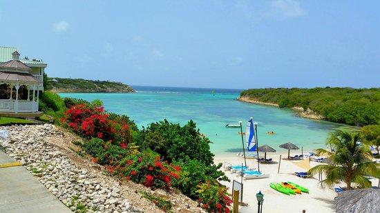 The Verandah Resort & Spa : Main beach and cove