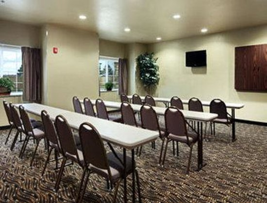 Microtel Inn & Suites by Wyndham Searcy: Meeting Room