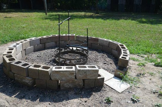 Mansfield Woods: Fire pit
