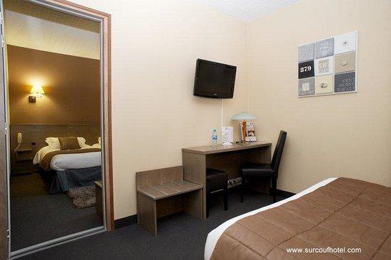 Brit Hotel Le Surcouf : Family Room Saint Malo