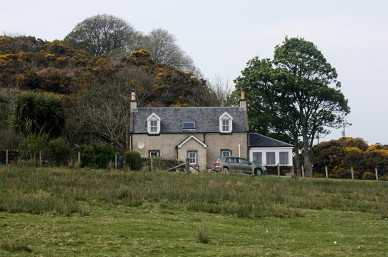 Kintyre Cottages: Right on the shoreline !