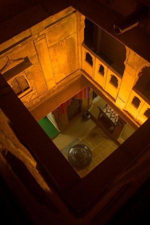 Desert Haveli Guest House: Interior view of the guest house from the terrace.