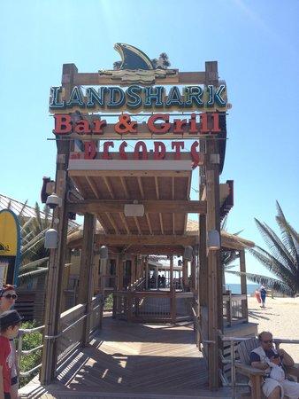 LandShark Bar & Grill Atlantic City: entrance