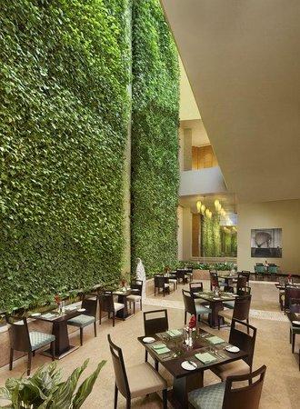 ITC Gardenia, Bengaluru: Cubbon Pavilion Restaurant