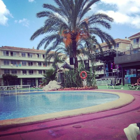 BH Mallorca: Poolside