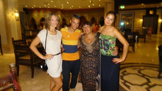 Sunrise Select Garden Beach Resort & Spa: Fay, Tokyo, Diana and big momma