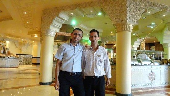 Sunrise Select Garden Beach Resort & Spa: Main restaurant managers