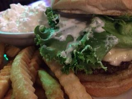 Cerno's Bar and Grill : Cerno Burger with crinkle fries