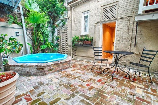 Inn on Ursulines : Hot Tub