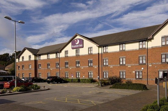 Premier Inn Newcastle Under Lyme Hotel: Exterior